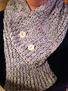 knit marble grey cowl/scarflette. handmade.