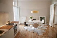 Berlin Ferienwohnung: Sonnige 3 Zimmer-Altbauwohnung mit Designermöblierung