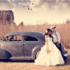 This beautiful 1940's style wedding is so perfectly vintage-chic!