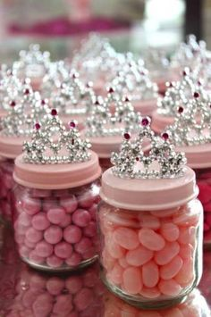 Baby Food Jar Princess Crown Party Favors DIY Baby Food Jar Princess Crown Party Favors for a Baby Shower or birthday party.DIY Baby Food Jar Princess Crown Party Favors for a Baby Shower or birthday party. Fiesta Baby Shower, Baby Shower Parties, Baby Shower Themes, Dyi Baby Shower Decorations, Baby Shower Ideas On A Budget, Royal Baby Shower Theme, Baby Girl Themes, Cute Baby Shower Ideas, Halloween Decorations