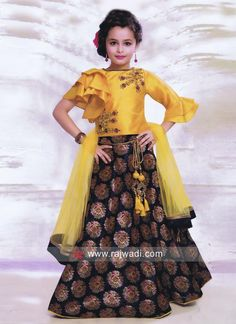 Traditional Embroidered Choli Suit for Kids Source by bhoomikadatta Blouses Kids Party Wear Dresses, Kids Dress Wear, Dresses Kids Girl, Kids Gown, Baby Girl Dress Patterns, Baby Dress Design, Kids Frocks Design, Kids Lehanga Design, Lehanga For Kids
