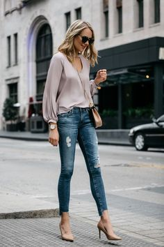 Fashion Jackson Street Style Blush Pink Cut Out Blouse AG Jeans Step Hem Distressed Skinny Ankle Jeans Sam Edelman Nude Pumps Chloe Drew Handbag Casual Work Outfits, Mode Outfits, Work Casual, Jeans Outfit For Work, Casual Clothes, Casual Jeans, Casual Heels Outfit, Work Attire, Women's Casual