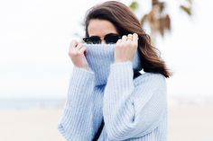 Black_Jeans-Knit_Jumper-Light_Blue-Street_Style-Outfits-37