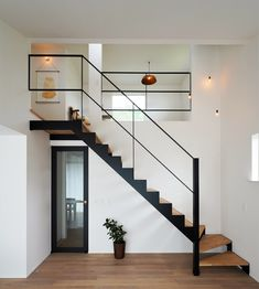 Home Stairs Design, Dream Home Design, Door Design, Small House Layout, House Layouts, Cottage Extension, Tiny House Loft, Industrial Stairs, Loft Interiors