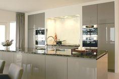 keuken hoogglans 2. Keuken met spoeleiland