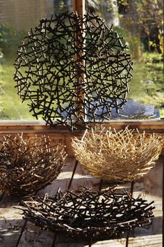 Easy DIY decorations for home and garden projects from twigs DIY Regal upcycling Ideen aus leeren Marmeladegläsern Restorers Architectural Tyrone Uret Nature Crafts, Home Crafts, Diy Home Decor, Diy And Crafts, Decoration Branches, Twig Art, Diy Projects On A Budget, Recycled Decor, Decoration Originale