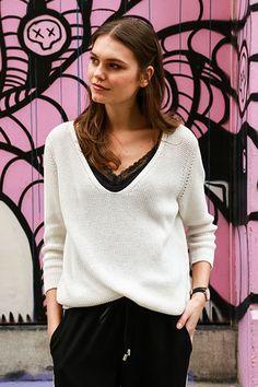 Black + white classic look l Juttu #Juttu #fashion #women #SS17 #streetstyle