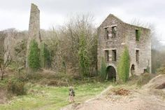 HOLMBUSH MINE   Near St Austell, Cornwall: 'Lies just north of the village of Kelly Bray, to the northwest of Kit Hill in the Callington Mining District of East Cornwall. The mine was known to have been at work from at least 1845 and produced lead and silver as well as copper ore. It was abandoned in 1893.' ✫ღ⊰n