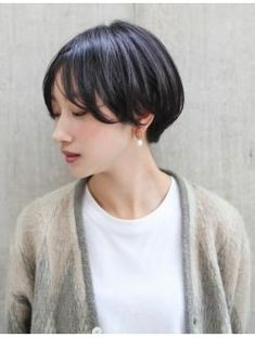 Absolutely ❤ it. In tropical weather, this style needs the hair iron almost every day. Thin Hair Styles For Women, Hair Styles 2016, Medium Hair Styles, Short Hair Styles, Mens Hairstyles Thin Hair, Side Bangs Hairstyles, Short Bob Hairstyles, Short Thin Hair, Short Hair With Bangs