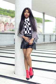 black-bloggers-Wallace-yolicia-fashion-bloggers-monochrome-outfits-how-wear-black-and-white-style