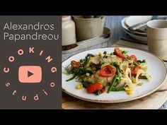 YouTube Soul Food, Spaghetti, Ethnic Recipes, Youtube, Youtubers, Noodle, Youtube Movies