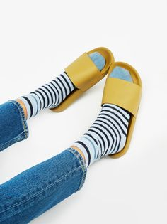 Dive In Slide Sandal | Comfortable and easy athletic-inspired slide sandals with a sleek modern feel. Wear alone or with your favorite pair of socks.