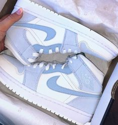 All Nike Shoes, Nike Shoes Air Force, Hype Shoes, Air Force Sneakers, Jordan Shoes Girls, Girls Shoes, Outfit Con Tenis Nike, Swag Shoes, Aesthetic Shoes