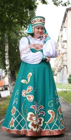 Russian costume. Kokoshnik.