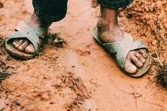 """""""How beautiful are the feet of those who bring good news."""" Where is God calling you? Who is He pointing you towards today?  #go #missions #ywam #tothenations #everynation #goodnews #evangelism #inmissions #ywamdts #outreach  Phot cred: @lmp.mfg by ywam_org http://bit.ly/dtskyiv #ywamkyiv #ywam #mission #missiontrip #outreach"""