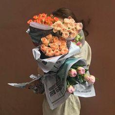 Bouquet of flowers Flower Aesthetic, Aesthetic Photo, Aesthetic Pictures, Photography Aesthetic, Flower Power, My Flower, Arte Floral, Planting Flowers, Boquette Flowers