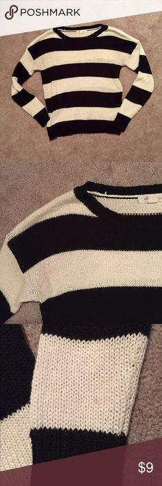 Forever 21 striped sweater Gently loved💓 1 small stain on the sleeve (see photo above) Forever 21 Tops