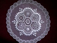 hungarikumok  Magyar népi díszítések – Höveji csipke Hungarian Embroidery, Lace Embroidery, Embroidery Patterns, Vintage Lace, Decorative Plates, Home Decor, Appetizers, Google, Needlepoint Patterns