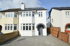 4 bedroom property for sale in Hersham Village, Surrey - £699,950