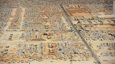 Il campo rifugiati di Zaatri continua ad espandersi. Ad oggi è diventato la quinta città iù grande della Giordania. E' stato aperto il 28 luglio del 2012 ed ospita circa 130mila rifugiati siriani. www.unhcr.it