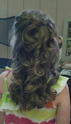 Flower girl hair!
