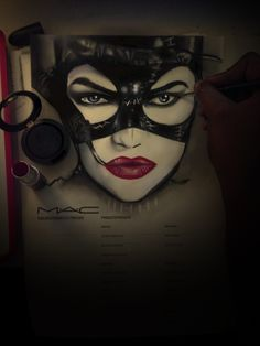A Cat Comes when she wants, Not when She's Told ~Catwoman