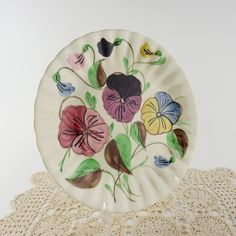Southern Potteries 11 Inch White Floral Dinner Plate Hand Painted Pansies Blue Ridge China Underglaze Scallop Spiral Pottery Cottage Decor