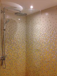 Douche réalisée en émaux de Briare | Salle de bain | Pinterest ...