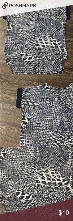 Very J Hi-low short sleeve blouse Very J Hi-low short sleeve blouse. Size: L Very J Tops Blouses