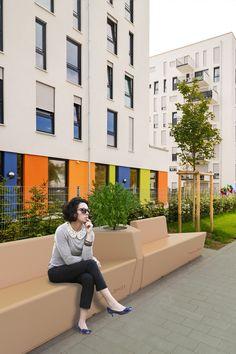 Коллекция Simple представляет собой композицию из трех элементов, предназначенную для оформления общественных городских пространств. Multi Story Building, Simple