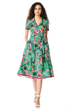 I this Beaded floral print piped trim crepe shirtdress from eShakti Summer Dresses With Sleeves, Short Sleeve Dresses, 70s Fashion, Modest Fashion, Style Année 70, Mode Simple, Eliana, Frock For Women, Cotton Dresses
