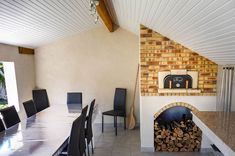 four pizza install en intrieur habillage traditionnel en briques rfractaires flammes - Four A Pizza Interieur