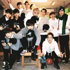 Oh how I miss Exo bein together.we all still love you Luhan Kris n Tao ; Kaisoo, Chanbaek, Chanyeol Baekhyun, Luhan And Kris, Kris Wu, K Pop, Hot Guys, Exo 12, Kim Jong Dae