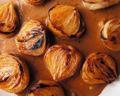 Miso butter roast onions Ottolenghi Recipes, Yotam Ottolenghi, Plant Based Recipes, Vegetable Recipes, Vegetarian Recipes, Vegetarian Dinners, Miso Butter, Roasted Onions, Herb Salad
