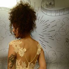 100ô! Me abana que eu vô tê um treco no coração ao vê sabuniteza. Gente, pretenção na renda   cabradapestebh@gmail.com Backless, Dresses, Fashion, Lace, Vestidos, Moda, Gowns, Fasion, Dress