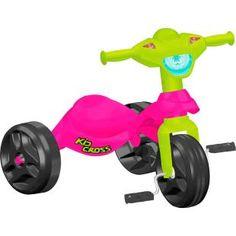 Triciclo Bandeirante Kid Cross Rosa, uma diversão para sua filha.    Um triciclo compacto, sempre à mão para alegrar a criançada.