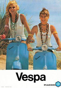 Publicité Vespa Vintage deux femmes