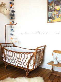 rattan baby bed I rattan babaágy Baby Bedroom, Nursery Room, Kids Bedroom, Kids Rooms, Vintage Nursery, Vintage Crib, Light Garland, Baby Bassinet, Baby Bedding Sets
