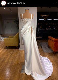 Glam Dresses, Red Carpet Dresses, Bridal Dresses, Formal Dresses, Bougie Outfits, Long Dress Fashion, High Fashion, Sexy Outfits, Fashion Outfits