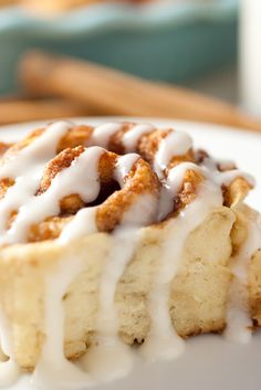Too often I get a huge craving for a fresh, made from scratch, warm out of the oven cinnamon roll but so often I don't want to wait the 3 - 4 hours it take
