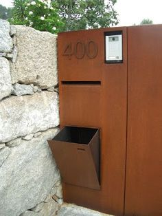 Briefkasten aus Cortenstahl # mailbox mailbox made of corten steel Dog Fence, Front Yard Fence, Fenced In Yard, Horse Fence, Fence Art, Farm Fence, Fence Doors, Fence Panels, Building A Fence