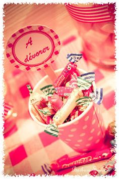 Like swedish people, french people love candy's, particularly Carambar ♥