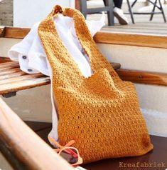 Easy Crochet Bag in Schachenmayr - FREE pattern on LoveKnitting Free Crochet Bag, Crochet Shell Stitch, Crochet Tote, Crochet Handbags, Crochet Purses, Knit Or Crochet, Easy Crochet, Knitting Patterns Free, Free Knitting