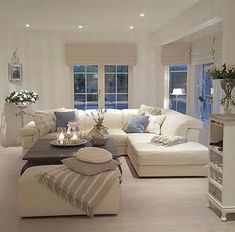 80 Stunning Small Living Room Decor Ideas For Your Apartment 024 – DECOOR