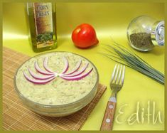 salata de vinete (eggplant salad), had sooo much of this in romania, it's delicious, i miss it! Top Recipes, Great Recipes, Favorite Recipes, Romania Food, Eggplant Salad, European Cuisine, Tasty, Yummy Food, Diet