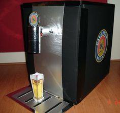 Surprise. Knutselwerkje Beertender van knutselidee.nl