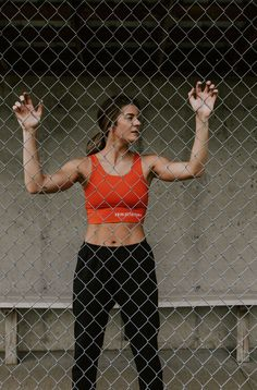 a sports bra that gets it so you can get after it Fitness Style, Keep Fit, Stay Fit, Athleisure, Lululemon Align Pant, Sports Leggings, Butt Workout, Athletic Wear, Cross Training