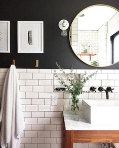 Love there white subway tile and black wall paint for a small bathroom Classic bathroom. Love there white subway tile and black wall paint for a small bathroom Bathroom Inspiration, Bathroom Interior, Small Bathroom, Amazing Bathrooms, Bathroom Decor, Classic Bathroom, Bathroom Design, Bathroom Renovations, Best Bathroom Lighting