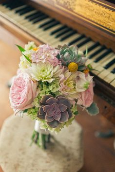 pale pink roses, succulents, white hydrangea... This is beautiful! I have always loved succulents in bouquets!