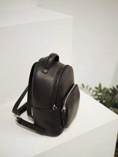 FORHÅNDSBESTILL Ashley Mini JIM RICKEY Fashion Backpack, Backpacks, Mini, Bags, Handbags, Taschen, Purse, Purses, Backpack